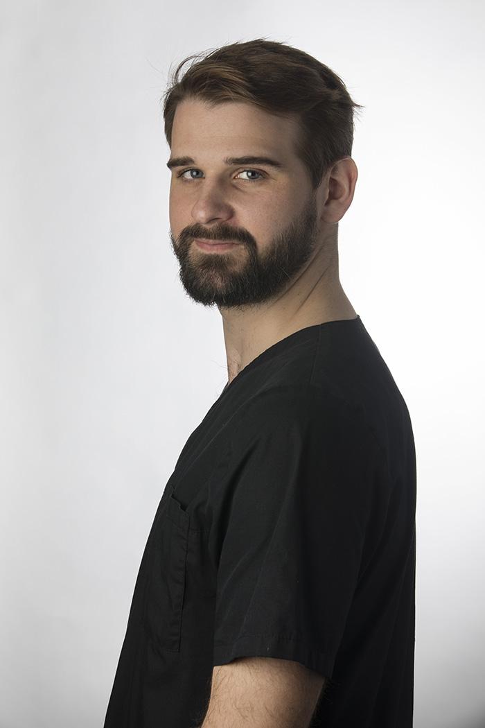 Dr Maxime Loustau, chirurgien dentiste